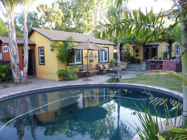 Airbnb : Luxury Priv Beachside Studio, Pool