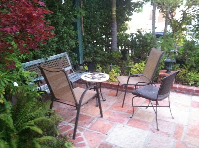 Airbnb : Garden Apartment on S F Peninsula